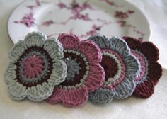 Set of 4 pcs Organic Cotton Crochet Flower by MotivesAndPatterns, $7.50