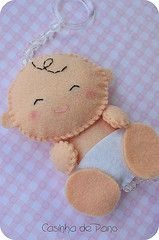 Bebé, cute, I want to make it a little bigger!? I think these are key chains as a favor,,great idea!