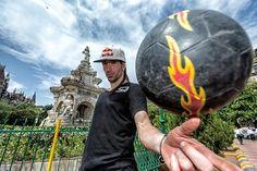 sean-garnier-does-freestyle-soccer-tricks-in-mumbai.jpg (550×366)