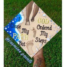 Disney Graduation Cap, Funny Graduation Caps, Custom Graduation Caps, Graduation Cap Toppers, Graduation Cap Designs, Graduation Cap Decoration, Graduation Diy, Grad Cap, Graduation Quotes