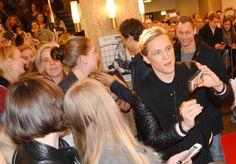 Selfies mit den Fans. Matthias Schweighöfer und Florian David Fitz: Kreischalarm in der Lichtburg Essen Florian David Fitz, Selfies, Selfie
