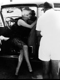 Young Marilyn Monroe, Marylin Monroe, Hollywood Icons, Old Hollywood, Hollywood Actresses, Star Wars, Tony Curtis, Some Like It Hot, Norma Jeane