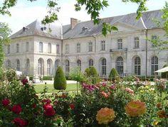 Du 12 au 14 juin 2015, la 14e édition des Journées de la Rose donne rendez-vous à tous les amoureux du jardin.À l'abbaye de Chaalis dans l'Oise, histoire de (re)découvrir la reine des fleurs sous tous ses aspects. Une centaine d'exposants (rosiéristes,...