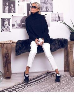 Fashion - Black & white 😍 ✖️PULL GM TRUST✖️Pantalon Simi blanc✖️Baskets GM glitter black Eshop www grungemama com … 60 Fashion, Grunge Fashion, White Fashion, Autumn Fashion, Fashion Outfits, Womens Fashion, Mature Fashion, Mode Outfits, Fall Outfits