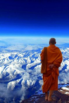 to Spend 48 Hours in Tibet Here's how you can visit the highlights of Tibet in 48 hours.Here's how you can visit the highlights of Tibet in 48 hours. Buddhist Monk, Tibetan Buddhism, Nepal, Laos, Gangtok, Belle Photo, Travel Inspiration, Cool Photos, Travel Photography