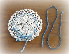 Mini doily or jar topper - free crochet pattern
