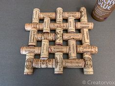 wine cork trivet project fully glued Crafts Make An Upcycled Wine Cork Trivet Wine Craft, Wine Cork Crafts, Wine Bottle Crafts, Champagne Cork Crafts, Wine Cork Trivet, Wine Cork Art, Wine Cork Boards, Wine Cork Table, Wine Cork Wreath