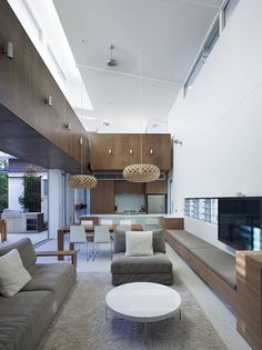 indoor/outdoor room (Sunshine Beach House by Bark Design Architects)