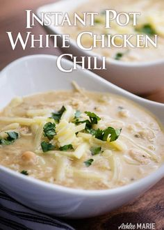 easy instant pot white chicken chili is made with dried beans and everything is done in the instant pot - no frying or soaking or boiling on the side! easy peasy, creamy with a kick and a recipe video Slow Cooker Chili, Cooks Slow Cooker, Slow Cooker Recipes, White Bean Turkey Chili, Creamy White Chicken Chili, Chili Recipe Video, Pot Recipe, Dry Beans Recipe, Instant Pot Dinner Recipes