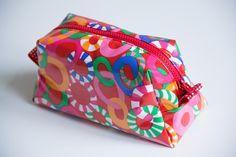 Patty Doo, tolles Tutorial für eine kleine Kosmetiktasche mit Innenfach