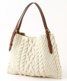 【セール】ペルーニットケーブル編みトートバッグ (トートバッグ)|TOPKAPI / トプカピ ファッション通販 タカシマヤファッションスクエア Crotchet Bags, Knitted Bags, Handmade Handbags, Handmade Bags, Handmade Bracelets, Diy Tote Bag, Diy Handbag, Art Bag, Patchwork Bags