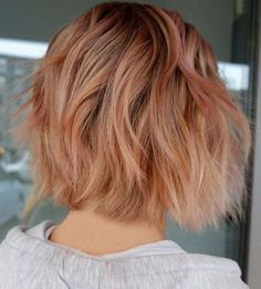 43 Most Beautiful Strawberry Blonde Hair Color Ideas – StayGlam - Page 2 Peachy Hair Color, Gorgeous Hair Color, Blue Ombre Hair, Brown Blonde Hair, Medium Blonde, Pelo Rasta, Strawberry Blonde Highlights, Strawberry Hair, Short Dark Hair