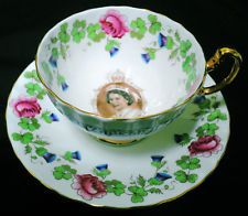 AYNSLEY ROSES QUEEN ELIZABETH PICTURE TEA CUP AND SAUCER WHITE RIBBON