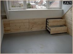 opbergen schuin dak - should check whether this is possible Attic Bedrooms, Bedroom Loft, Attic Spaces, Small Spaces, Built Ins, Home Organization, Interior Styling, Home And Living, New Homes