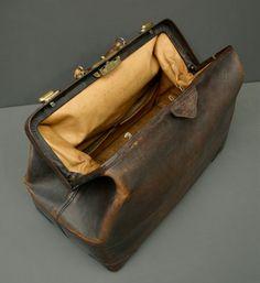Leather Gladstone Bag Vintage American by FanshaweBlaine on Etsy