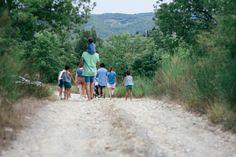 Uno de los propósitos de este año es hacer más planes al aire libre con los niños, ¿os suena? Aquí os dejo 5 rutas para hacer con niños cerca de Madrid para ver si lo conseguimos