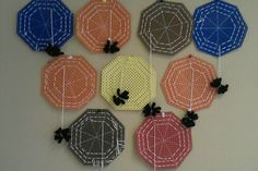 Spinnenwebben borduren Crafts To Do, Crafts For Kids, Arts And Crafts, Diy Crafts, Autumn Crafts, Activities To Do, Kids Cards, Crochet Earrings, Projects To Try