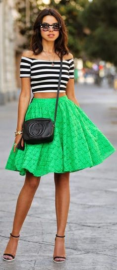 Just a Pretty Style: Street style striped crop top and green skirt Looks Street Style, Looks Style, Looks Cool, Look Fashion, Womens Fashion, Fashion Trends, Fashion Bloggers, Ladies Fashion, Teen Fashion