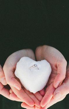 hiver, couple, fiançailles, détails, bague, alliance, mariage, coeur, neige, mains