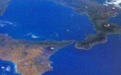 E' Allarme nei mari italiani. Gli esperti: ''E' VELENOSO E PROVOCA PARALISI, FATE ATTENZIONE'' #mari #italiani #pericolo