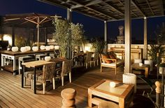 The 10 Best RoofTop bars barcelonaEdition ! Enjoy a drink while staring at one of the city's best sights in one of these rooftop bars in Barcelona ! Terrace Hotel, Terrace Restaurant, Barcelona Hotels, Barcelona Spain, Outdoor Spaces, Outdoor Living, Outdoor Retreat, Cuba, Deck Flooring