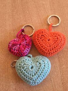 tuto facile coeur au crochet. Facebook: www.Facebook.com/alextitiatuto boutiquehttp://www.alittlemarket.com/boutique/alextitia-1082045.html Hésitez pas a me ...