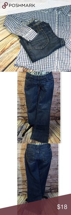 """AEROPOSTALE HAILEY SKINNY FLARE JEANS Great pair of gently used jeans with a flare leg Measurements Lying flat waist 16"""" inseam 31"""" Aeropostale Jeans Flare & Wide Leg"""
