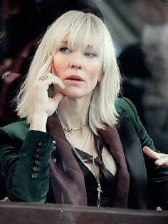 Risultato immagini per cate blanchett ocean's 8 images Cate Blanchett, Fringe Hairstyles, Hairstyles With Bangs, Short Bangs, Female Actresses, Hair 2018, Great Hair, Mode Style, Hair Today