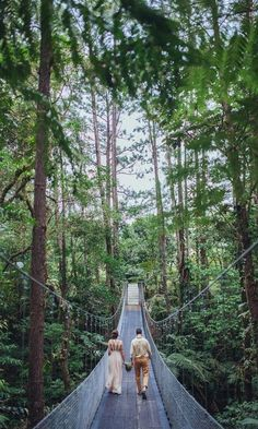 Want to elope? Why not do it on a bridge in Costa Rica? Such a gorgeous sight. Who's in? Tag a friend who would do it! #DestinationWedding #Travel #JustGo