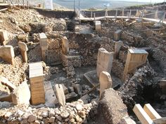 About eleven thousand years ago, in a remote corner of the cradle of civilization, Stone Age people who lacked cities, agriculture and metal tools built an enormous complex of multi-ton stone pillars called Gobekli Tepe (Potbelly Hill) in a region in modern day Turkey. The high degree of artistic skill and organizational wherewithal discovered at the site has caused the [...]