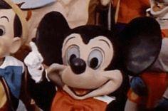 37 Vintage Disneyland GIFs You Never Knew You Needed buzzfeed.com