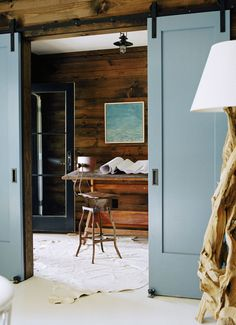 Installing interior barn door hardware can transform the look of your room. Read these steps in buying interior barn door hardware. Interior Sliding Barn Doors, Sliding Doors, Small Space Living, Small Spaces, Living Spaces, The Doors, Entry Doors, Patio Doors, Barn Door Hardware