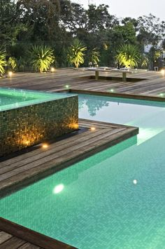 Ultra Contemporary Outdoor Play Area: Fawkner Avenue By COS Design - Ideas De Piscina, Pool Water Features, Pool Coping, Dream Pools, Beautiful Pools, Swimming Pool Designs, Pool Decks, Garden Pool, Cool Pools