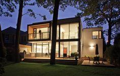 Scarborough bluffs in Toronto. Taylor Smyth Architects.