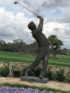Famous Arnold Palmer Statue at the Championship Golf Course. This home is perfect for the avid golfer! Famous Golf Courses, Public Golf Courses, St Andrews Golf, Florida Golf, Augusta Golf, Coeur D Alene Resort, Golf Course Reviews, Arnold Palmer, Golf Attire