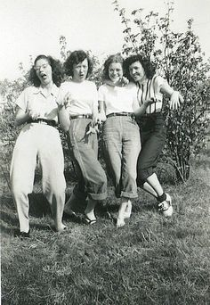 For our real life gallery today Lisa Edwards sent this great images of her mother and friends having fun in the late 40s  If you have any nice pictures you wouldn't mind us sharing please email them to info@lipstickandcurls.net Amanda x