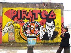 Toxicómano, un collectif de street artists colombiens, basé à Bogota, qui recouvre la ville de pochoirs et peintures engagés et colorés, reprenant les code
