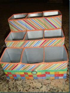 Aprenda como fazer porta treco com caixa de leite Cardboard Organizer, Diy Cardboard, Recycled Crafts, Diy And Crafts, Paper Crafts, Milk Carton Crafts, Milk Packaging, Milk Box, Reuse Recycle