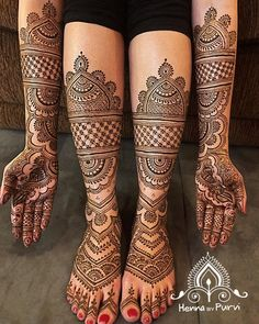 Simple Mehendi designs to kick start the ceremonial fun. If complex & elaborate henna patterns are a bit too much for you, then check out these simple Mehendi designs. Legs Mehndi Design, Latest Bridal Mehndi Designs, Stylish Mehndi Designs, Full Hand Mehndi Designs, Mehndi Designs 2018, Mehndi Designs Book, Mehndi Designs For Girls, Mehndi Designs For Beginners, Wedding Mehndi Designs