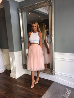 1abf8deee2 Cari s Closet began as a way to bring top designer dresses and cutting edge  fashions to Ireland in a way that is affordable and easy.