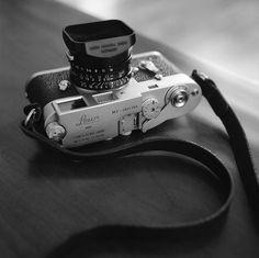 My first leica. Leica & Summicron IV pre-ASPH taken with Rolleiflex Ilford Delta 400 Pro developed in Ilford Ilfotec DD-X Leica Photography, Photography Camera, Old Cameras, Vintage Cameras, Nikon Cameras, Leica Camera, Camera Lens, Photo Lens, Classic Camera