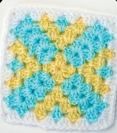 YELLOW CROSS GRANNY SQUAREDesigner: Lucinda Ganderton This crochet granny square pattern makes the perfect motif for a granny square blanket or other patchwork project. Free pattern to download HERE