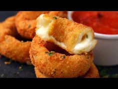 #Mozzarella #OnionRings #GreatSnack #QuickNEasy Try out this tasty mozzarella stuffed crispy onion rings (VIDEO) | Eat/Drink | Mobile | Malay Mail Online