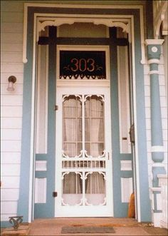 Victorian screen door plus details Vintage Screen Doors, Old Screen Doors, Wooden Screen Door, Vintage Doors, Old Doors, Porch Doors, Entrance Doors, Windows And Doors, Front Doors