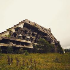 Razed and abandoned Olympic village hotel, circa 1984. This grand old dame was recruited into the #siegeofsarajevo in the 90's by the Bosnian Serb army, used as a base of operations, then burnt and abandoned