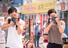 Jin Goo and Song Joong-ki Seo Dae-young and Yoo Shi-jin Descendants of the sun Korean Celebrities, Korean Actors, Korean Dramas, Seo Dae Young, Descendants Of The Sun Wallpaper, Decendants Of The Sun, Song Joon Ki, Sun Song, Songsong Couple
