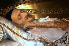 St Vincent de Paul incorruptiable - Feast day today 27 September