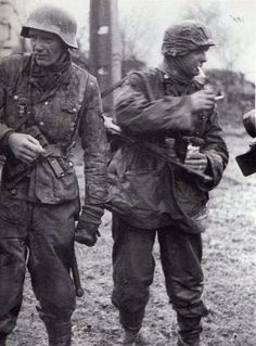 Soldiers of the Kampfgruppe Hansen (1st SS-Panzer-Division LSSAH)