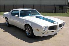 Home - Barrett-Jackson Auction Company - World's Greatest Collector Car Auctions Chevy Muscle Cars, Best Muscle Cars, American Muscle Cars, American Sports, Grand Chef, Pontiac Cars, Chevrolet Corvette, Pontiac Firebird Trans Am, Classic Cars