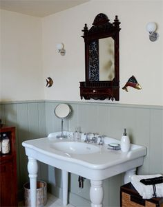 Tongue and Groove painted in Farrow and Ball type colour French Bathroom, Period Living, Bathroom Inspiration, Bathroom Ideas, Good Color Combinations, Trim Work, Farrow Ball, Bathroom Styling, Sink